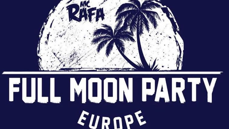 Full Moon Party congrega a 10.000 personas en Cádiz